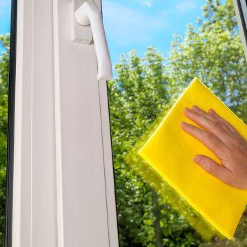 entretien des surfaces vitrées